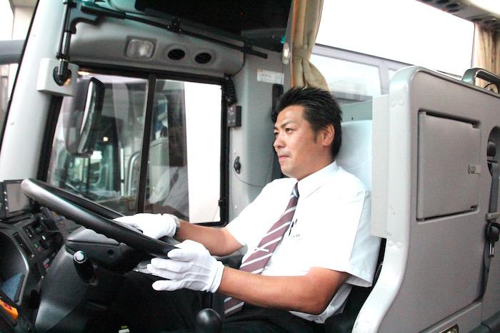ケイエム観光バス株式会社のバスドライバー阿部さんの運転写真