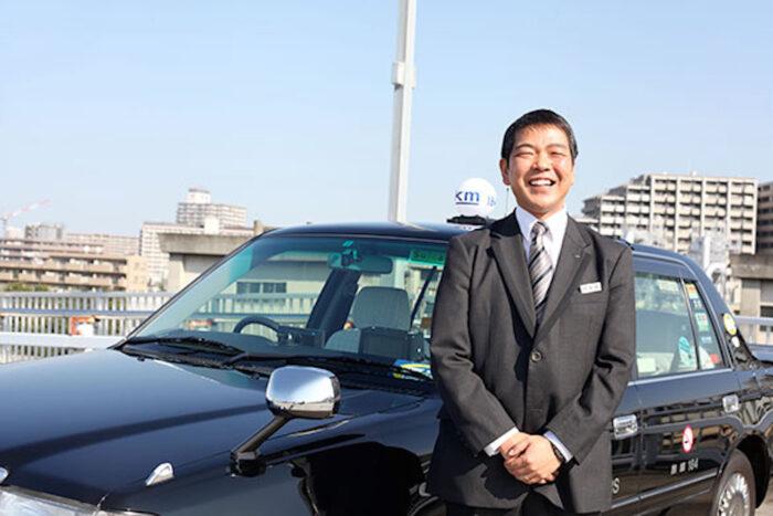 国際自動車kmタクシーのタクシードライバー平井さん