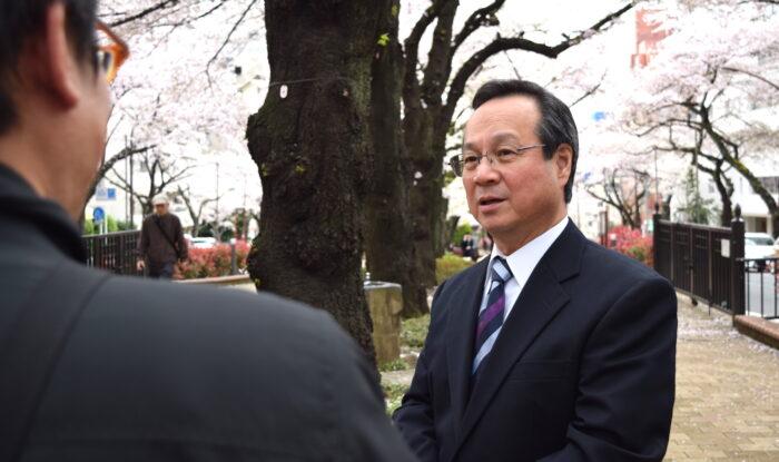 国際自動車のベテランハイヤー運転手濱さんのインタビュー風景