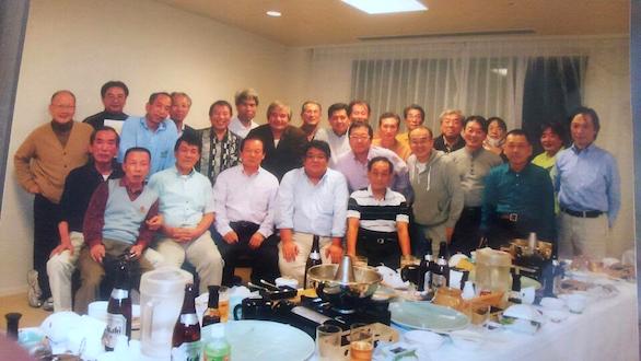 国際自動車(㎞タクシー)吉祥寺営業所所属のベテランタクシードライバー橋本さんと同僚との集合写真