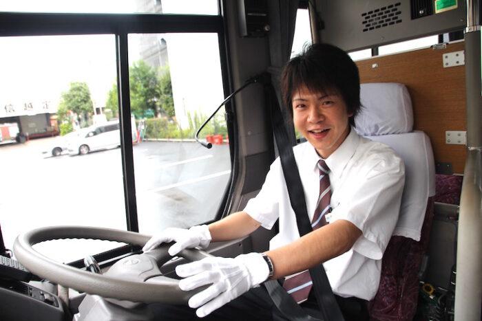 国際自動車のシャトルバスドライバーの中村さんの運転